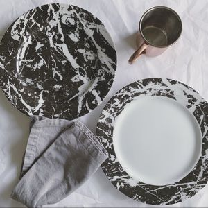 WOODMERE CHINA 2 Marble Printed Charger Plates